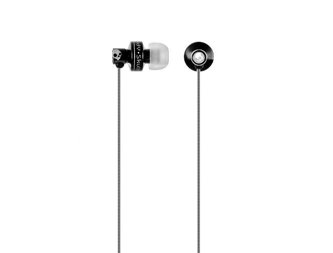 fmj-09-black-mic-headphones-glamor.jpg